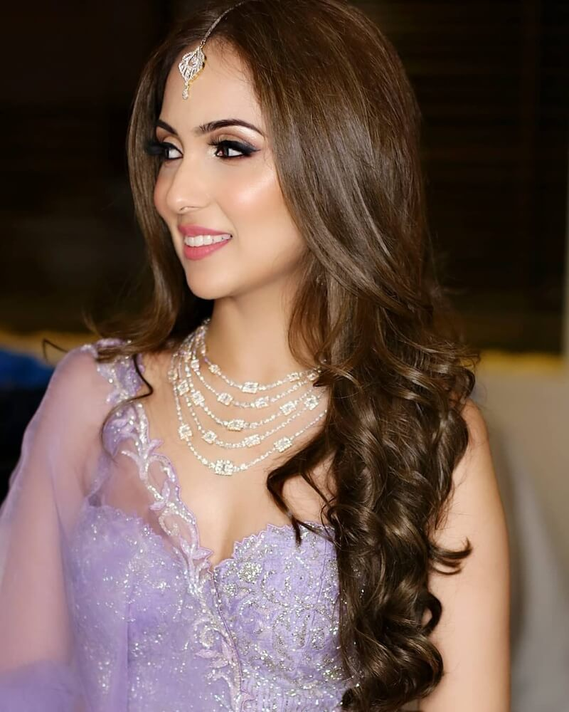9 Reception Hairstyles For Indian Brides